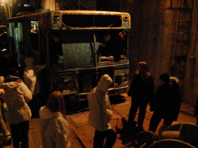 Buss i ett av de stora bergsrummen